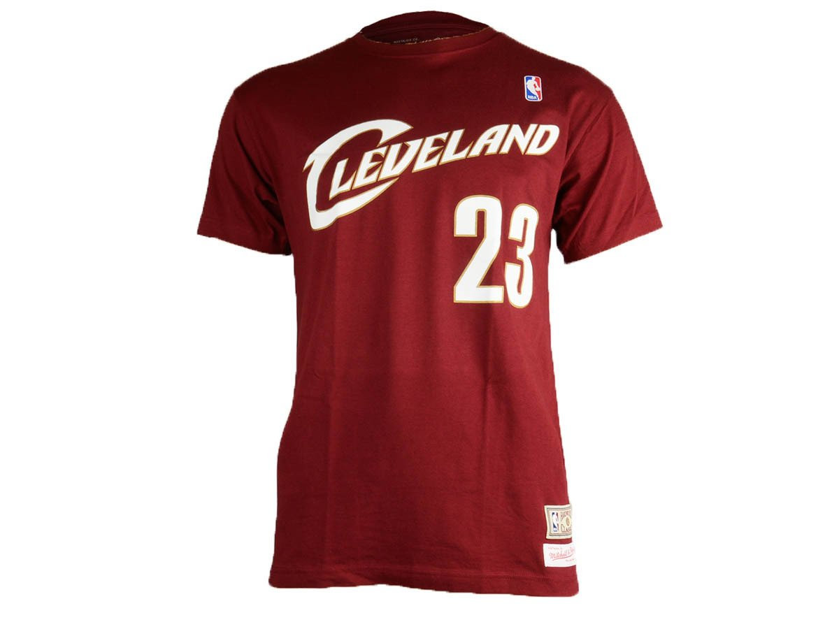 b79728d559ab ... Mitchell   Ness Hardwood Classics Cleveland Cavaliers LeBron James T- Shirt ...