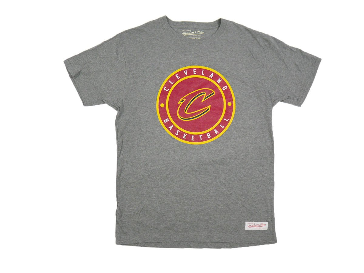 a9f900825 Mitchell   Ness NBA Cleveland Cavaliers T-shirt - MN-NBACPATCHTRAD-CLECAV