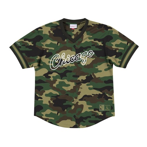 Mitchell & Ness NBA Chicago Bulls Camo Mesh V-Neck T-Shirt
